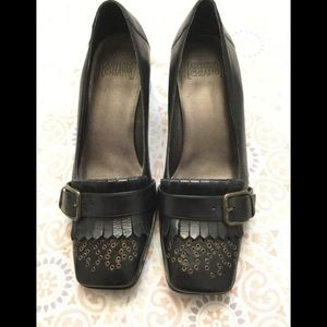 Arturo Chiang Black Leather Heeled Loafer